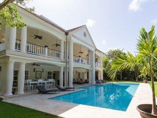 5 Bedroom Tropical Villa Tortuga, Higuey