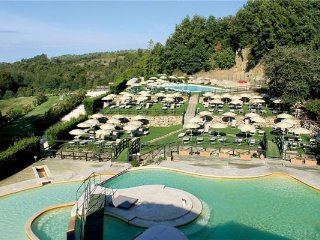 4 bedroom Apartment in Sorano, Tuscany, Italy : ref 2374249