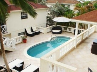Immaculate 3Bed Villa - private pool-Maid Service,