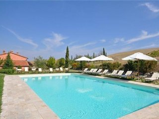 8 bedroom Villa in Castiglione D orcia, Tuscany, Italy : ref 2373683, Castiglione D'Orcia