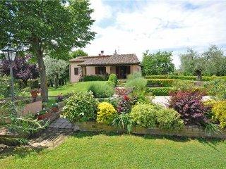 4 bedroom Villa in Monte San Savino, Tuscany, Arezzo, Italy : ref 2373805
