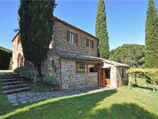 4 bedroom Villa in Montalcino, Tuscany, Val d Orcia, Italy : ref 2373830