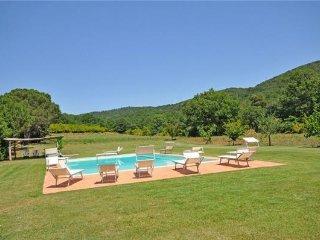 5 bedroom Apartment in Marsiliana, Tuscany, Italy : ref 2374127