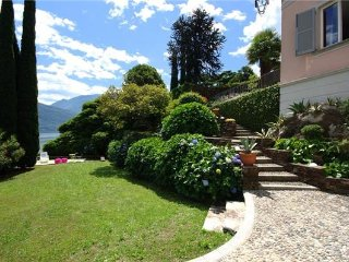 2 bedroom Apartment in PIANELLO DEL LARIO, Lake Como, Pianello del Lario, Italy : ref 2374214