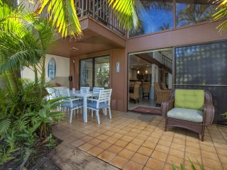 New Remodel, All-Tile, Steps from Pool and Beach!, Kihei