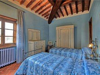 9 bedroom Villa in Pieve a Presciano, Tuscany, Arezzo, Italy : ref 2375014, Pieve A Presciano