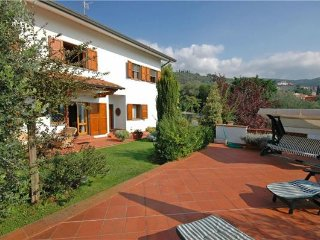 5 bedroom Villa in Uzzano, Tuscany, Italy : ref 2375101