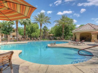 Full Luxury Apt w/ Kitchen & Pool, Litchfield Park