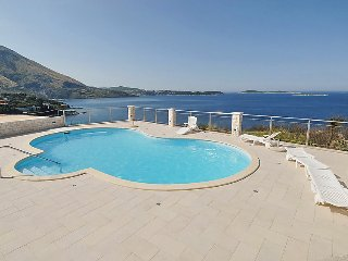 1 bedroom Apartment in Soline, Dubrovacko-Neretvanska Zupanija, Croatia : ref 50