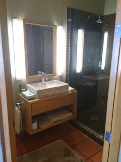 3rd bedroom bathroom