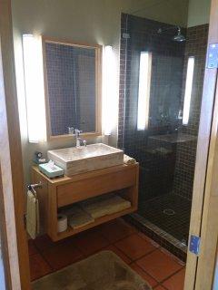 3rd bedroom bathroom