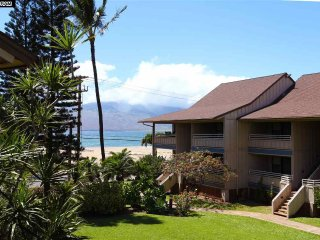 KIHEI BAY VISTA beautiful condo VIEWS WHALES!, Kihei