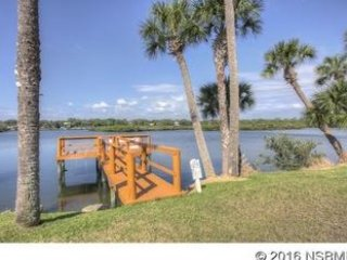 Kate's Places - Luxury 2bed 2bath Villa 69 at Riverfront Dolphin Cove NSB, New Smyrna Beach