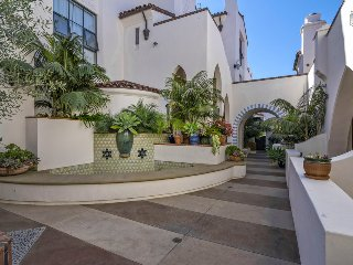Beautiful state of the art condo in the brand new Sevilla building, downtown, walkable to State Street - 30 night minimum - Skyline Vista