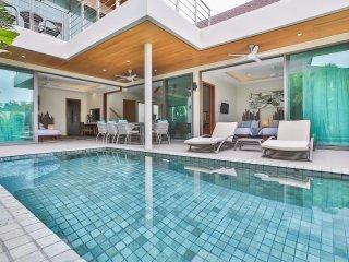 Modern 3 Bedroom Rawai Pool Villa
