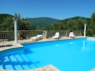 Beautiful Villa in Tuscany between Cortona & Florence, Caprese Michelangelo