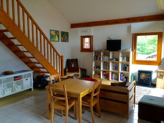 Large Duplex Apartment 80m2 with Mountain Views & Private Covered Parking, Les Carroz-d'Araches