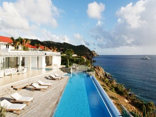 Luxury 6 bedroom St. Barts villa. Full ocean view!