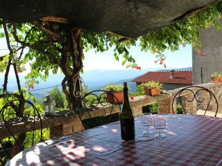 Historic house with pool and stunning views!, Fivizzano