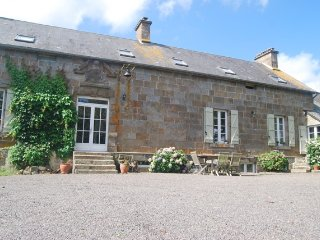 Beautiful converted farmhouse, La Ferte Mace