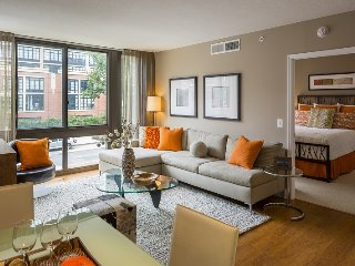 Modern, Luxury in heart of NW DC by Convention CTR, Washington DC
