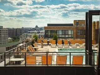 Contemporary DC Condo in Mount Vernon - 5 Minutes walk from  Convention Center, Washington D.C.