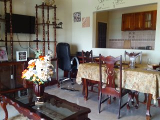 Scenic/Spacious two Bedrooms Apartment Rental, Priory