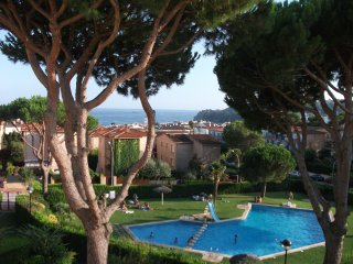 3 bed. Fab Sea view. Parking. Pool. Sleeps 5., Calella de Palafrugell