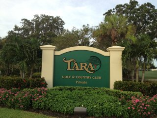 2 Bedroom, 2 Bath, Upstairs Condo, Bradenton