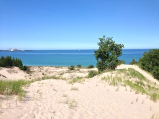A Charlevoix Vacation Rental within 2 blocks from Lake MI Dunes at Northpoint