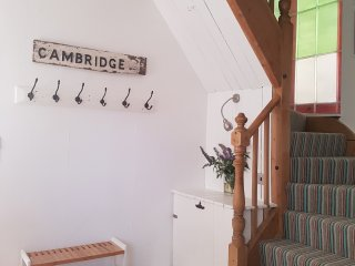Comfortable and Sunny 3 Bedroom Home, Sleeps 5, Cambridge