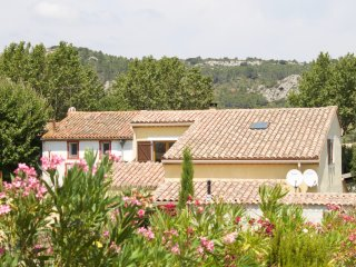 Les Lauriers Roses modern villa with pool sleeps 8 in Corbieres region, France