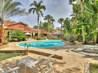Villa Tropicalia - Mediterranean style villa