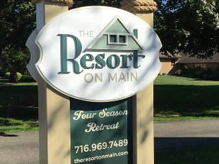 The Resort on Main~ Your home at Chautauqua Lake~, Bemus Point