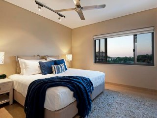 Darwin Waterfront Luxury Suites - 1 Bedroom with Views & FREE CAR - Sleeps 3