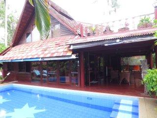 Luxury Pool Villa B 2