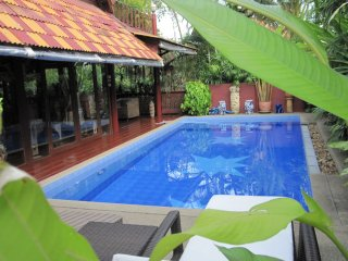 Luxury Pool Villa, Maret
