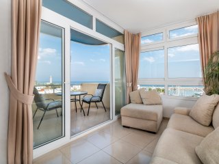 Enjoy the panoramic views of the Marina from the extended lounge area