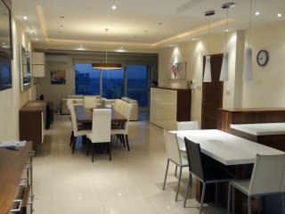 Luxury Seaview Apartment by the sea . Top location, St. Paul's Bay