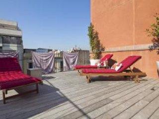 Arc Triomf Dalí Pool III - 3 Bedroom Apartment - MSB 56022, Barcelona