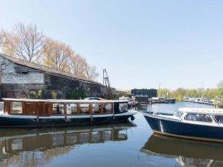 Beach130; dutch houseboat 10 min center FREE bike