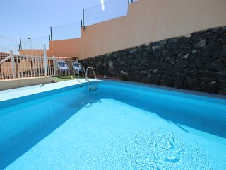 Spacious dúplex with swimming pool, Adeje