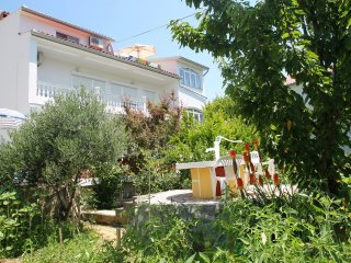 Apartment  Daisy max . for 9 persons, Rab Island