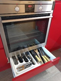 AEG Appliances. Oven with storage drawer below