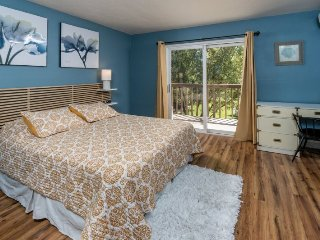 Newly Remodeled Pioneer Park Condo #153! Walk Everywhere!, Bend