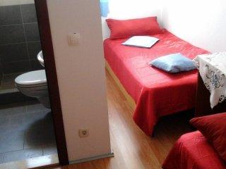 Nevenka Cupic Room in Tisno E (2+0)