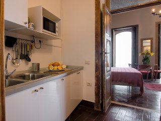 DON PEPE KITCHEN TOWARDS THE LIVING / BEDROOM