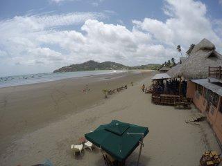 Beachfront Condo With Incredible Sea View, Sleeps 6, A/C, WiFi, Balcony, Pool