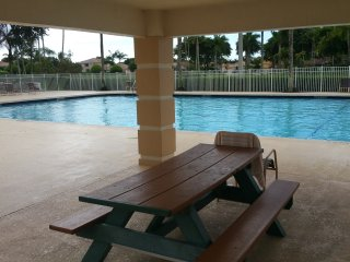 little castle1bedroom 1baths  heated pool with lots of freebies, Miramar
