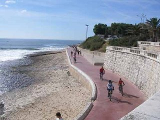 Beach/Cascais/near downtown Lisbon